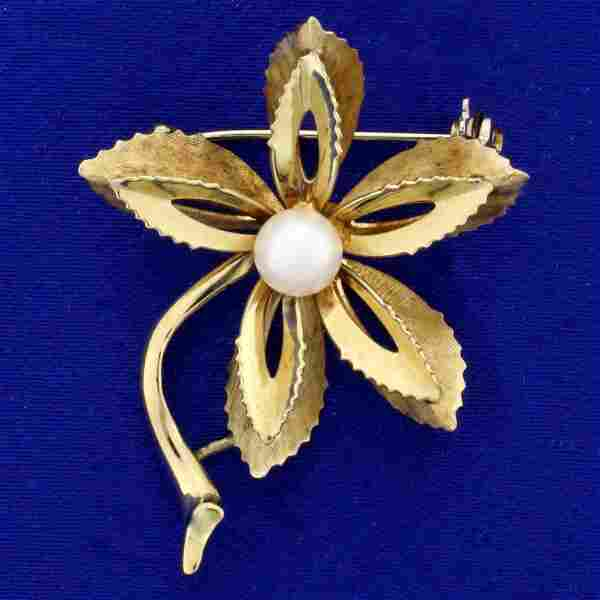 Italian-Made Pearl Flower Pin in 14K Yellow Gold