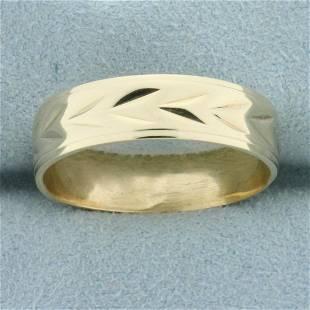 Mens Diamond Cut Wedding Band Ring in 14K Yellow Gold