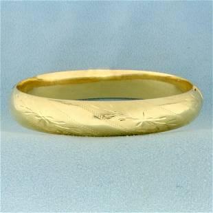 Vintage Flower Design Bangle Bracelet in 14K Yellow