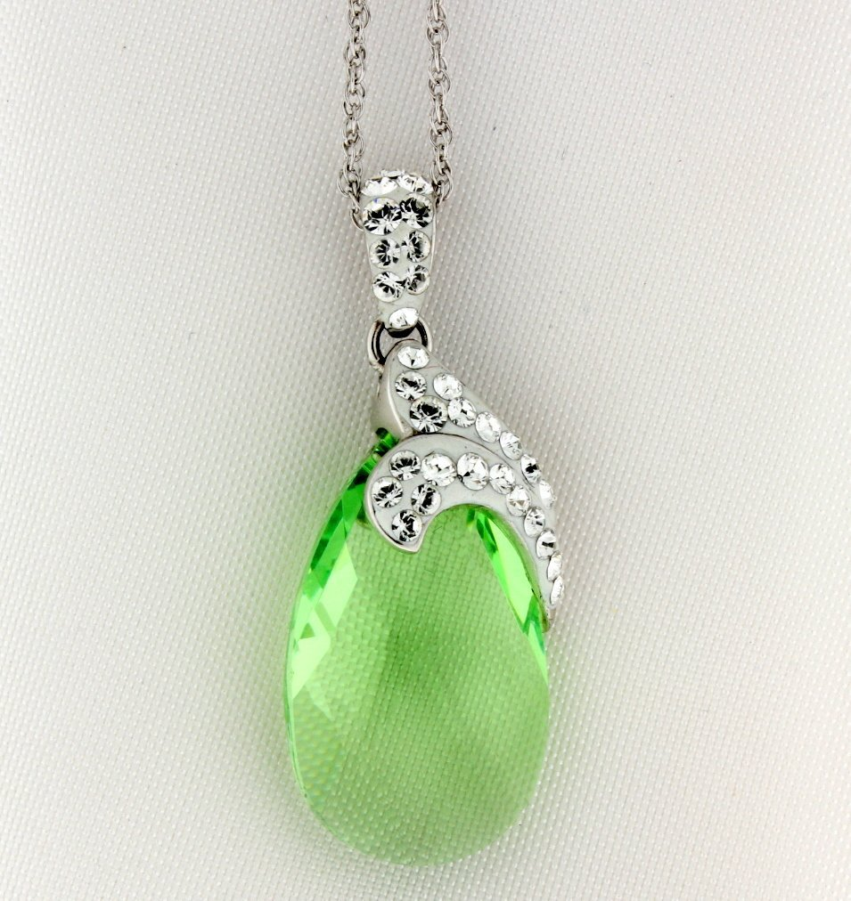 Sterling silver pendant and chain w/Swarovski crystals