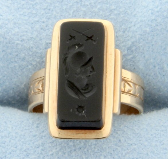 Vintage Coat of Arms Signet Ring