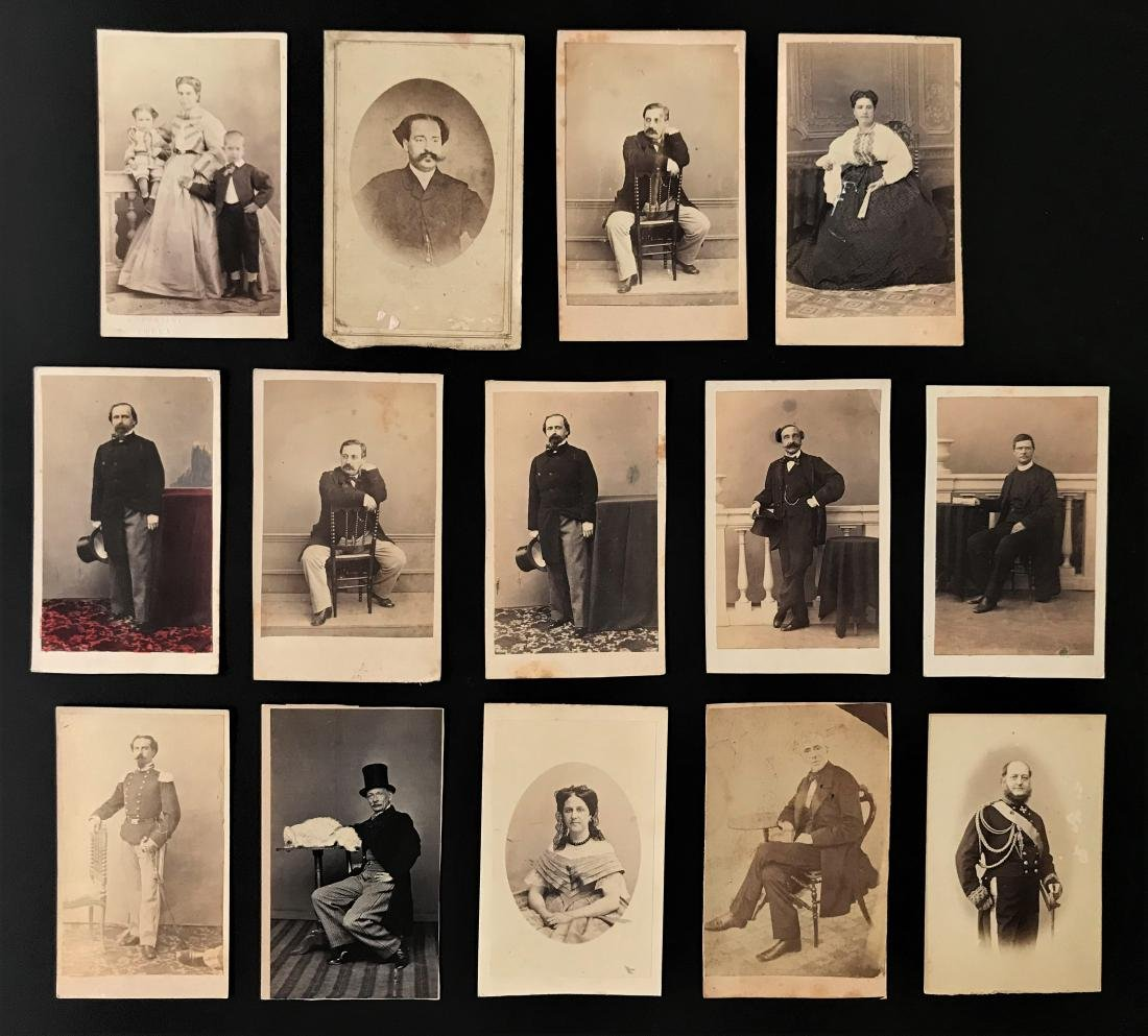 Albumina. Fotografi del XIX sec. Quattordici ritratti.