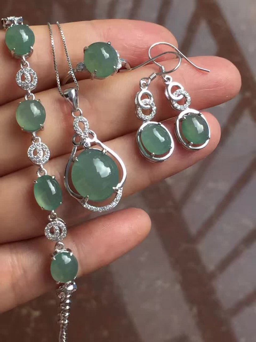 18k gold inlaid Ice  Fine water emerald jade four sets