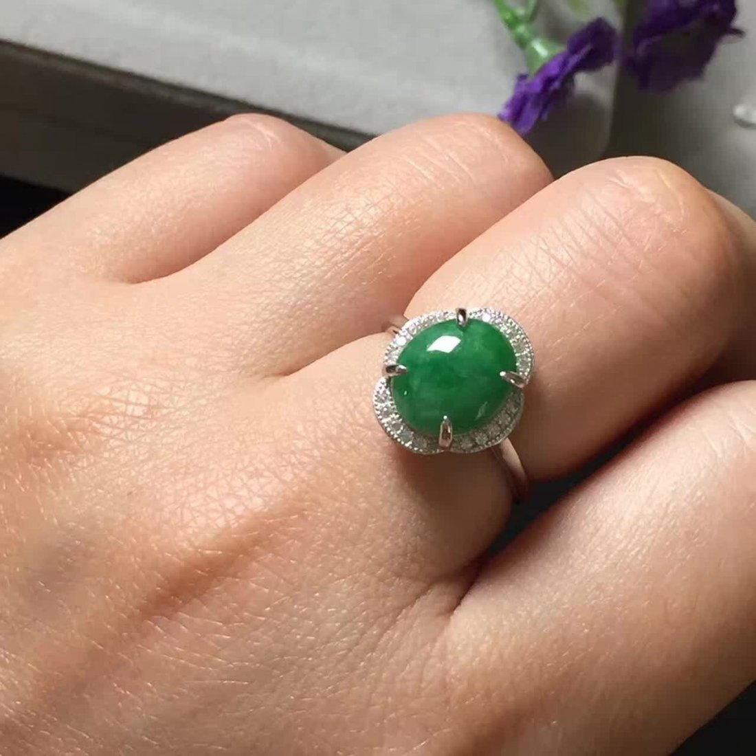 Sun green emerald jade ring