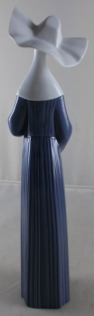 Lladro Nun Figurine with Original Box. No. 5550. Some - 4