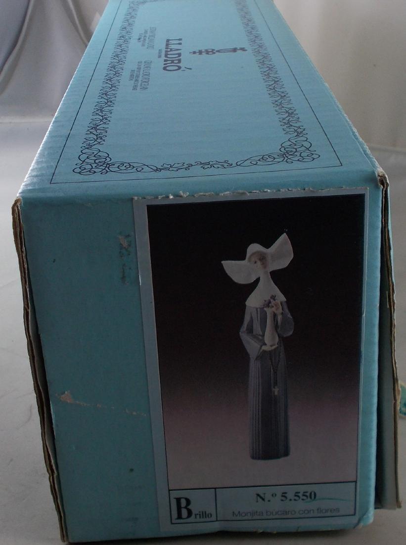 Lladro Nun Figurine with Original Box. No. 5550. Some - 8
