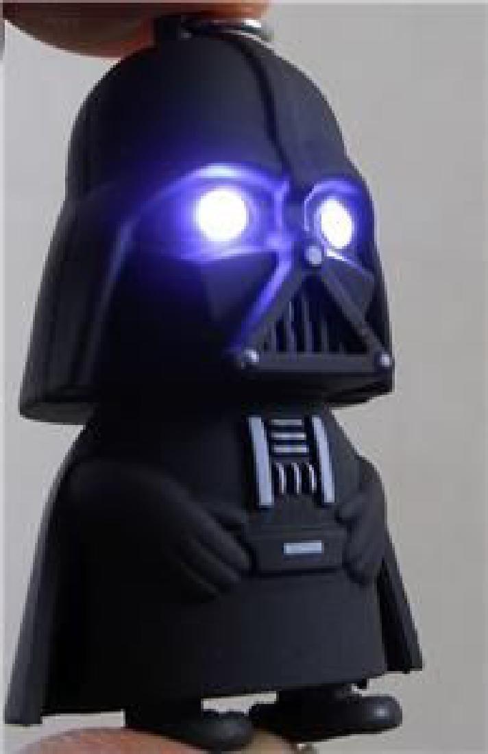 Star Wars Darth Vader Key Chain Figure. Eyes Light Up - 3