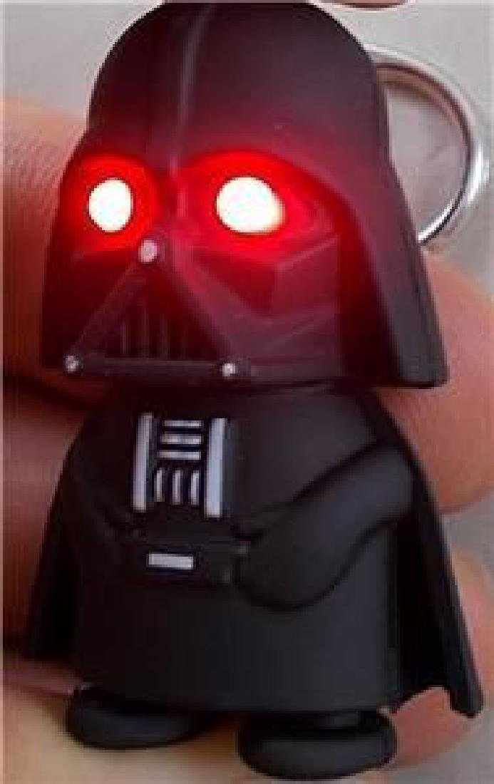 Star Wars Darth Vader Key Chain Figure. Eyes Light Up - 3