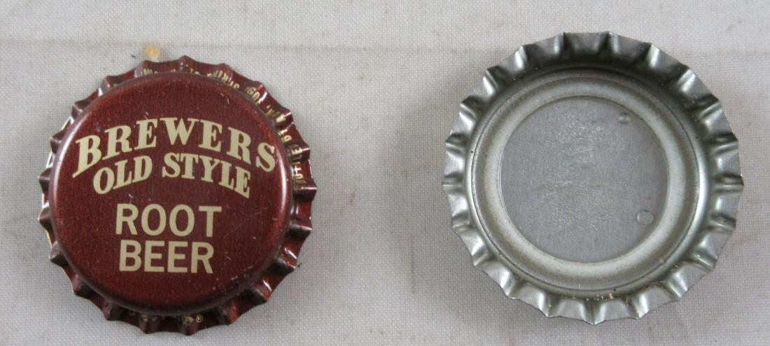 Lot of 2 Brewers Old Style Root Beer plastic lined soda - 2