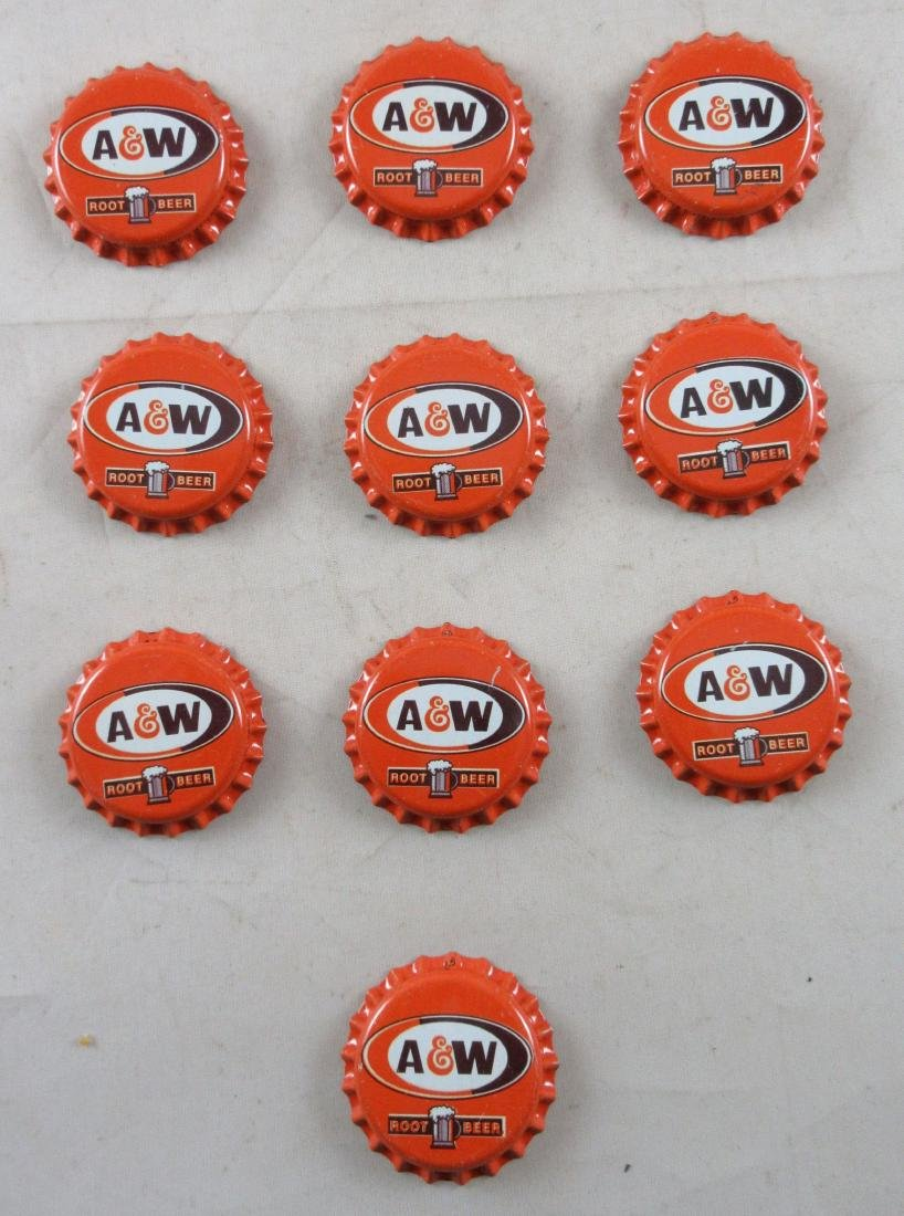 Lot of 10 A and W plastic lined bottle caps