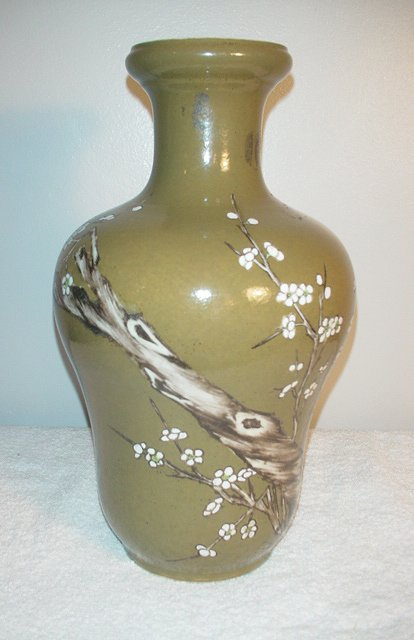 005: Teadust Vase with cherry blossoms and branches (17