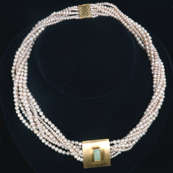 9001: Unique Pearl Necklace 7 rows of Bacharin Pearls
