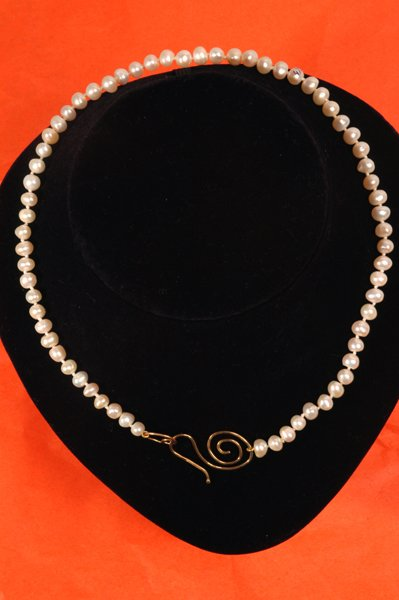 9024: Pearl Necklace - by Shaily Kirstain