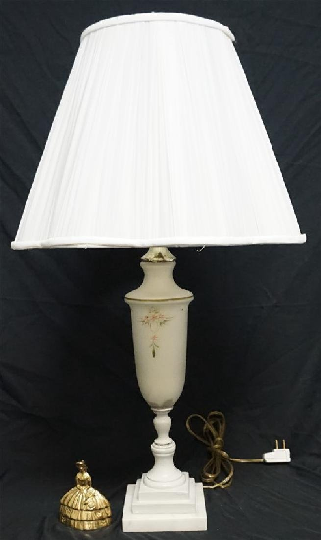 AMERICAN GLASS & MARBLE TABLE LAMP - 8