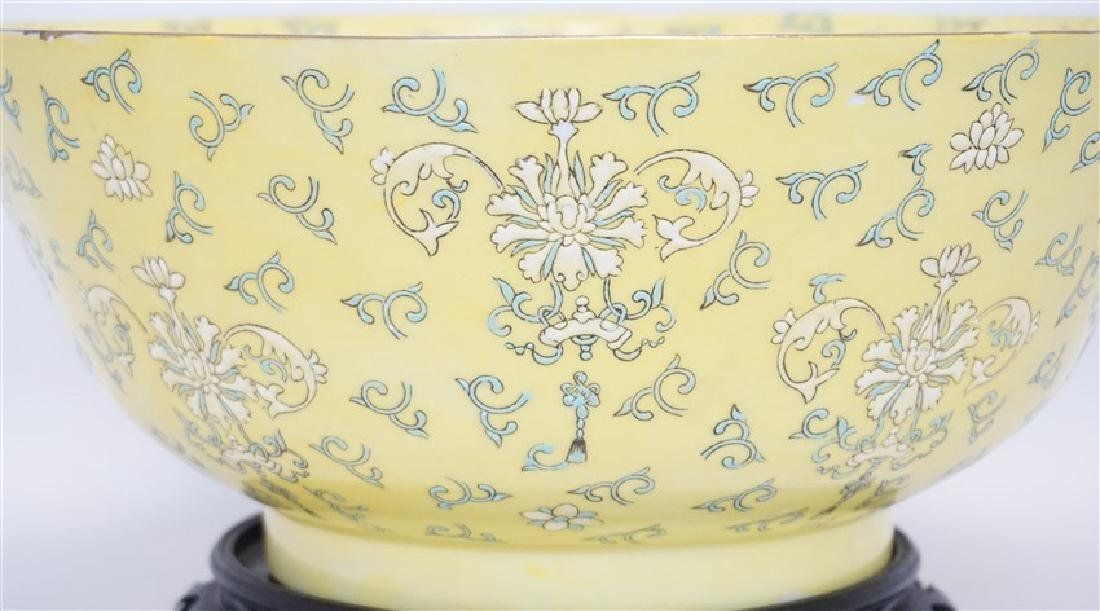 LARGE CHINESE EXPORT PUNCH BOWL - 2