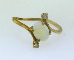OPAL & DIAMOND RING 14KT