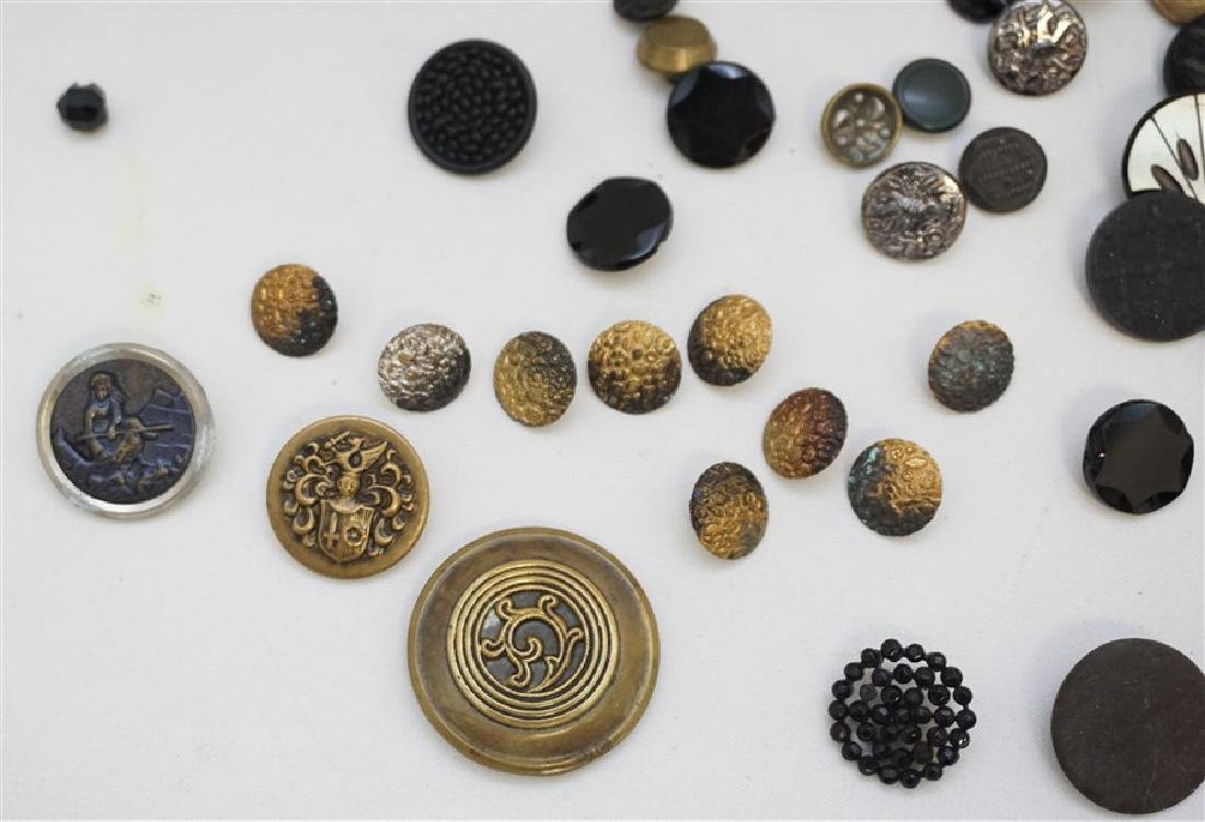 100 VICTORIAN 19th c BUTTONS - 5