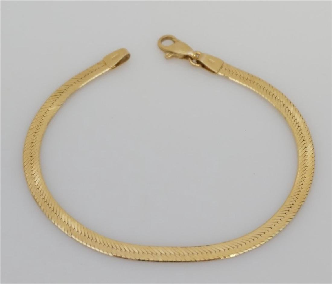14K YELLOW GOLD HERRINGBONE BRACELET (3.70 GRAMS)