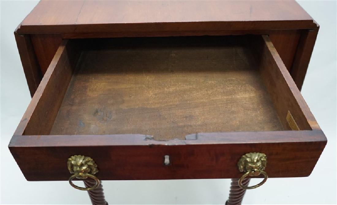19th c. AMERICAN DROP LEAF WORK TABLE - 7