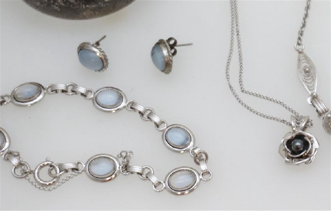 LARGE LOT STERLING SILVER VINTAGE JEWELRY - 4