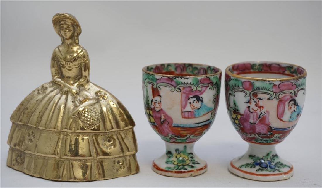 2 QING DYNASTY ROSE MEDALLION EGG CUPS - 8
