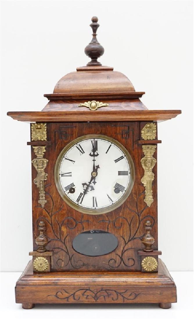 ORNATE VICTORIAN MANTLE CLOCK