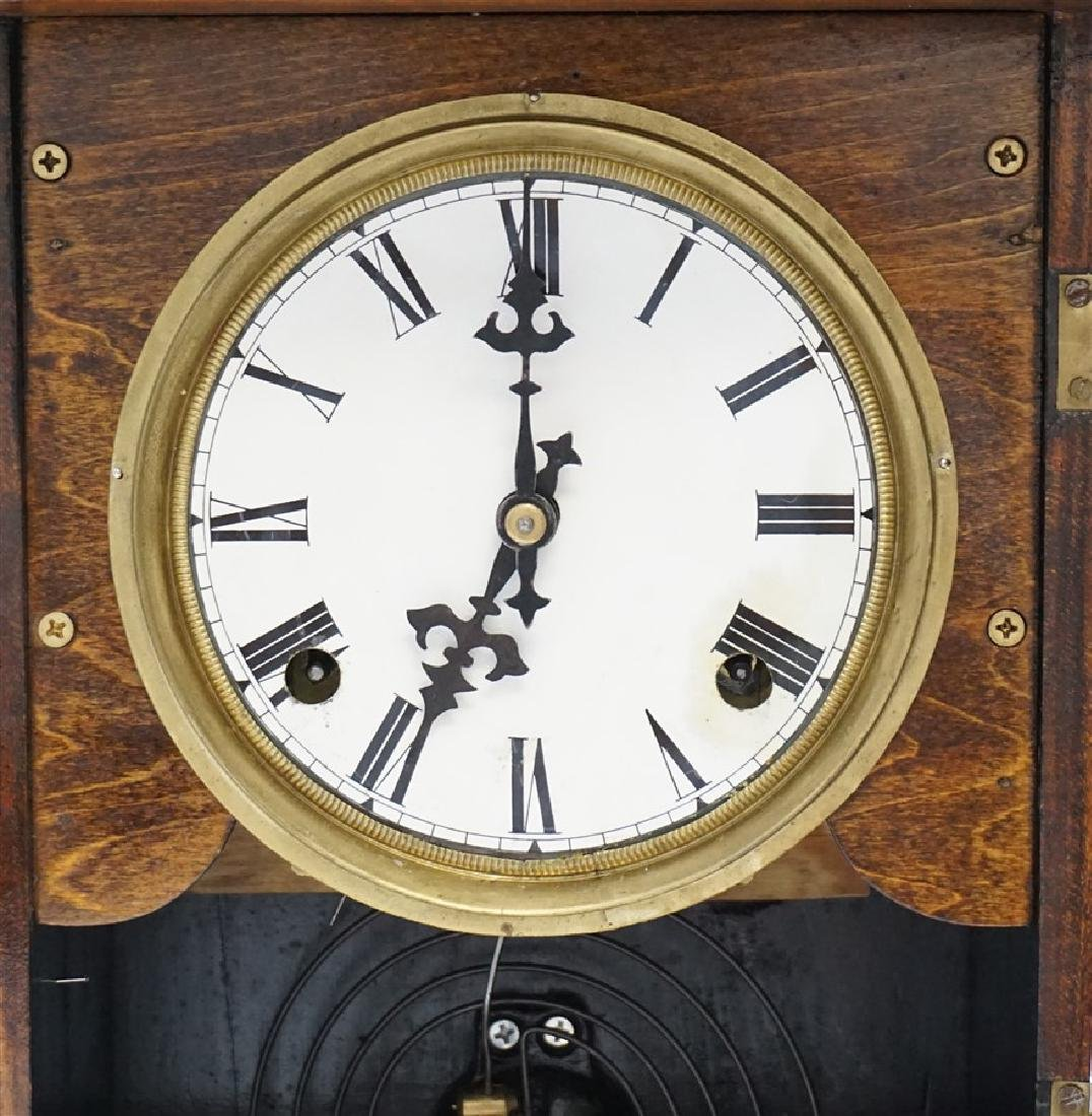 ORNATE VICTORIAN MANTLE CLOCK - 5
