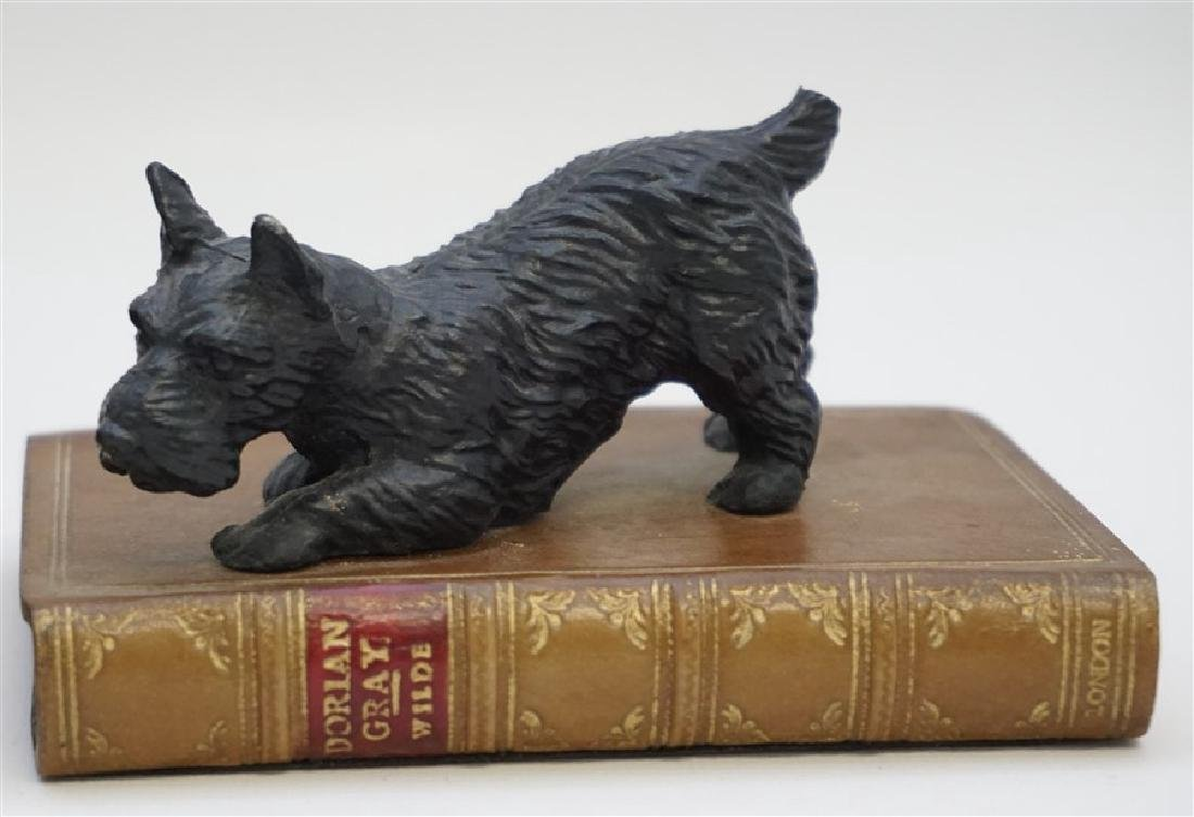 2 BEAR & SCOTTY ON BOOKS BOOKENDS - 3
