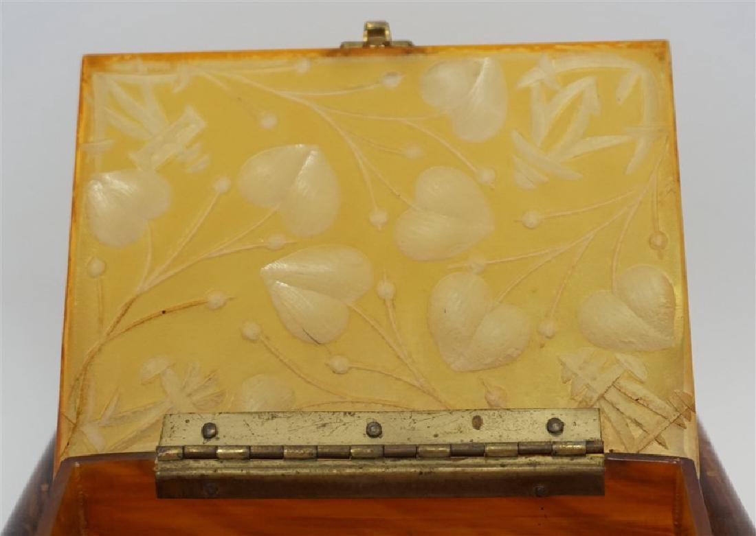 ART DECO PAGODA BUTTERSCOTCH BAKELITE PURSE - 7