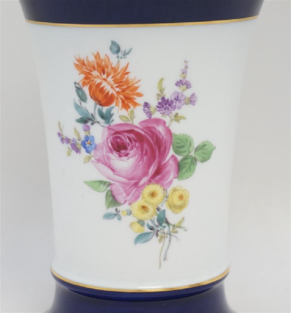 MEISSEN NEUER AUSSCHNITT VASE COBALT FLOWERS - 2
