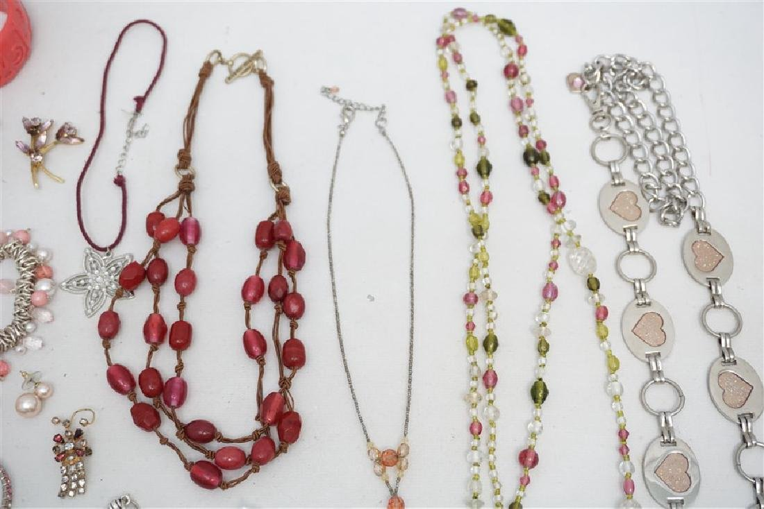 25 pc VINTAGE PINK COSTUME JEWELRY - 5