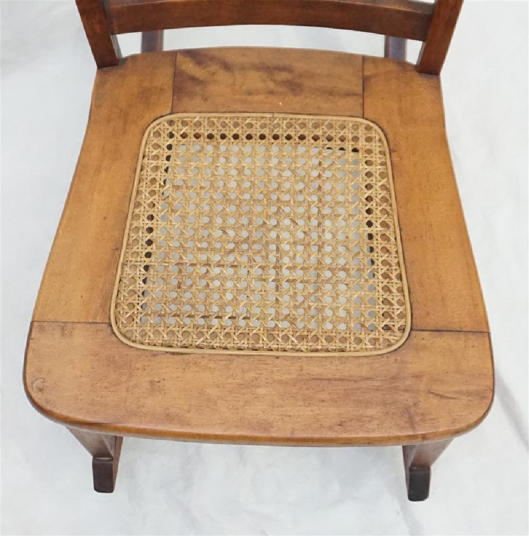 ANTIQUE AMERICAN ROCKING CHAIR - 3