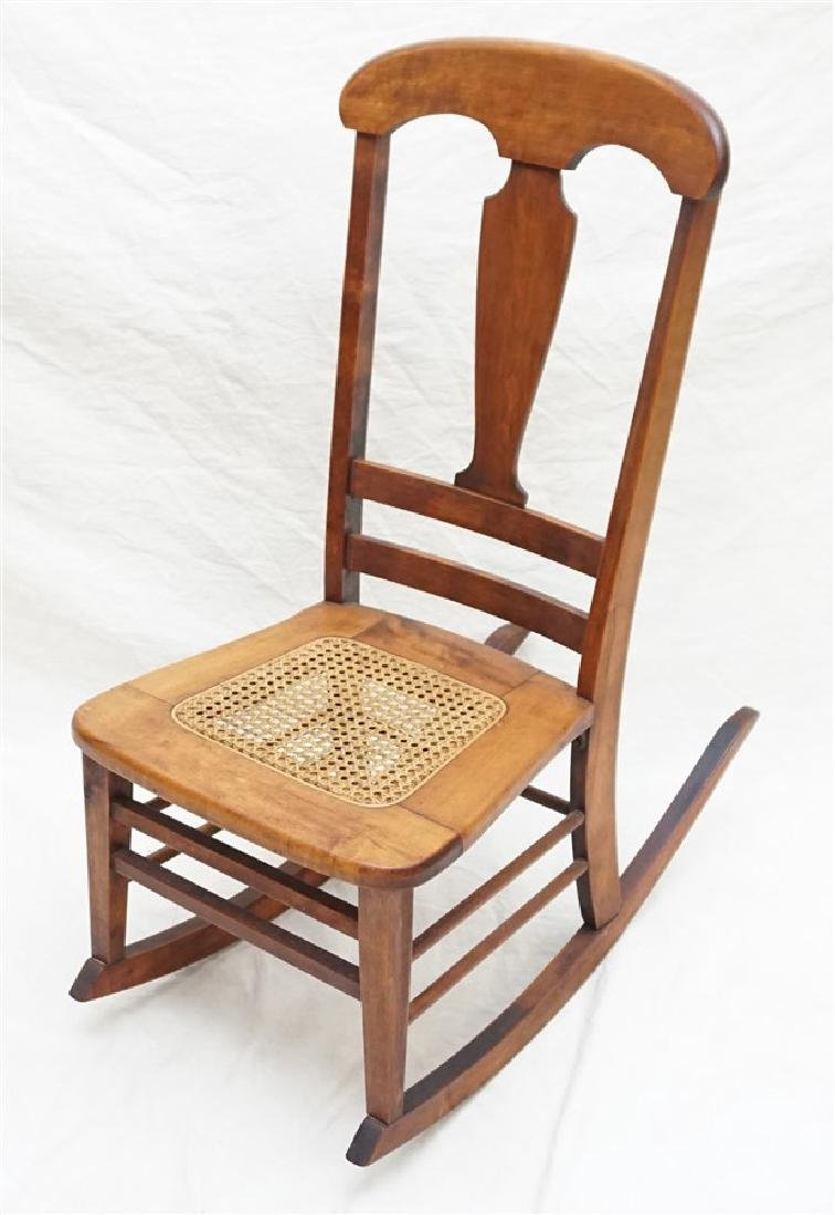 ANTIQUE AMERICAN ROCKING CHAIR - 4
