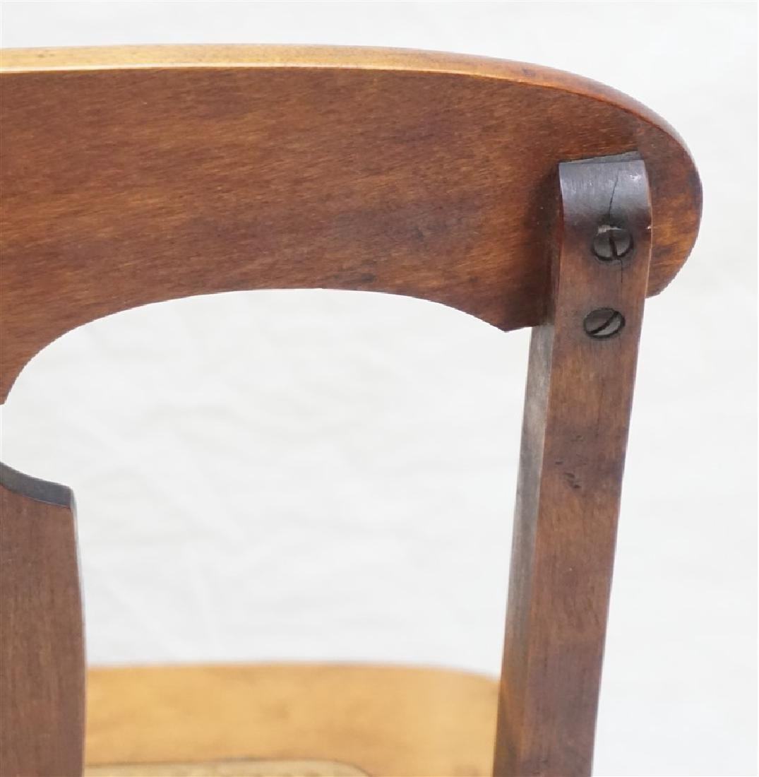ANTIQUE AMERICAN ROCKING CHAIR - 7