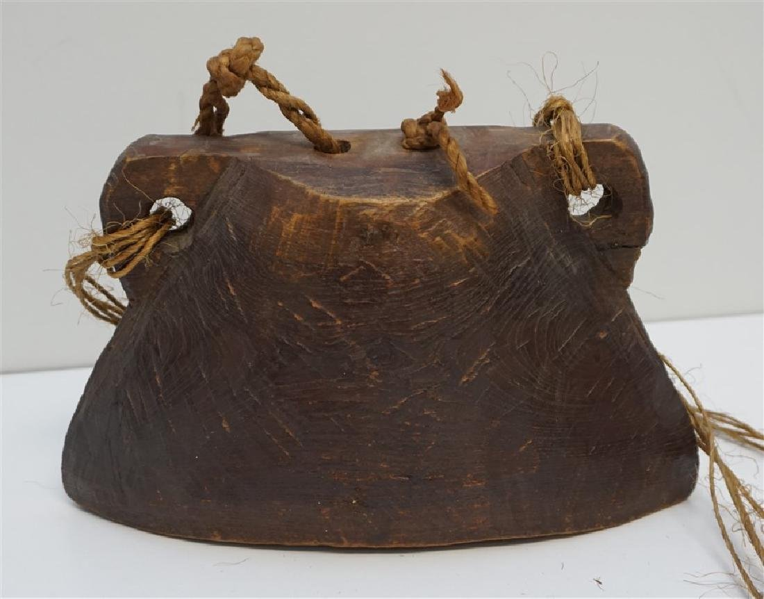 ANTIQUE WOODEN ELEPHANT BELL INDIA - 4
