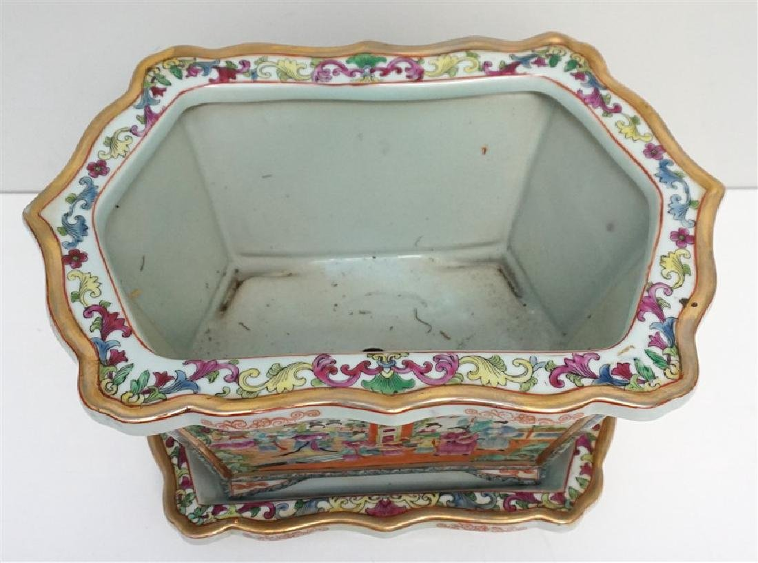 CHINESE PORCELAIN ROSE MEDALLION FOOT BATH - 7