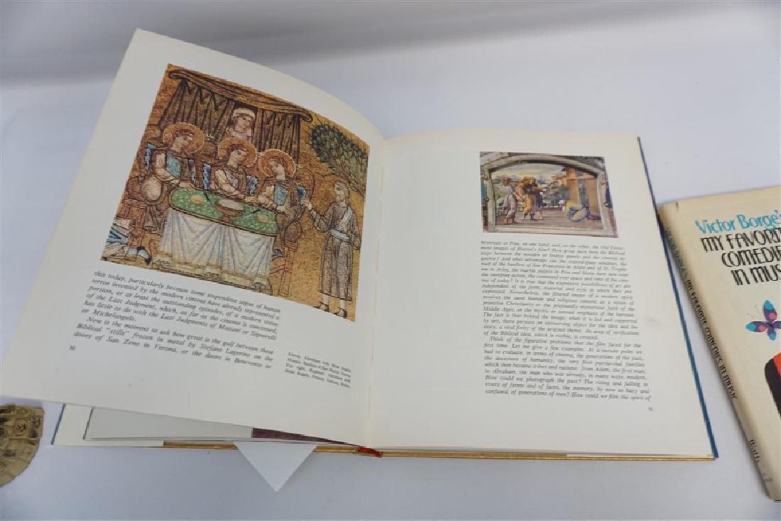 2 AUTOGRAPHED BOOKS - DINO DE LAURENTIIS + VICTOR BORGE - 3