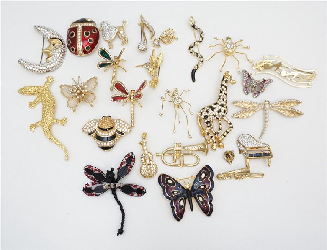 24 Pc VINTAGE ESTATE BROOCHES SWAROVSKI