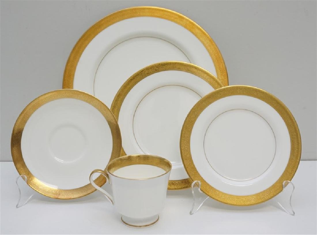 40 pc MIKASA HARROW BONE CHINA DINNER SERVICE