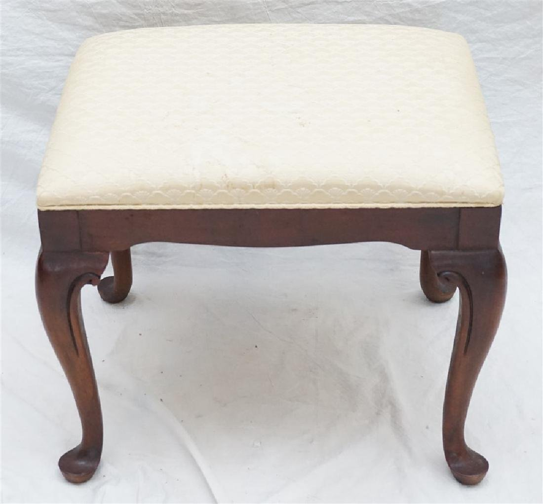 VINTAGE MAHOGANY QUEEN ANNE STOOL