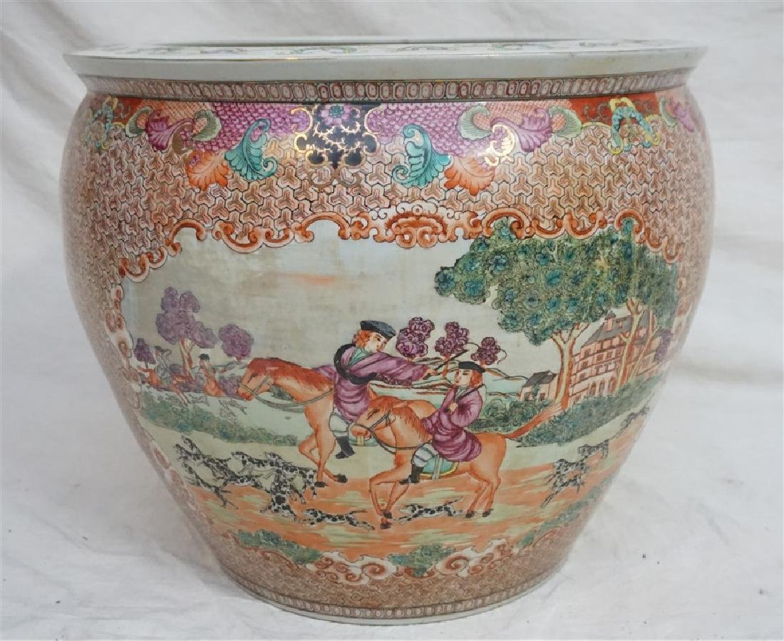 LARGE CHINESE EXPORT HUNT FISH BOWLS - 2