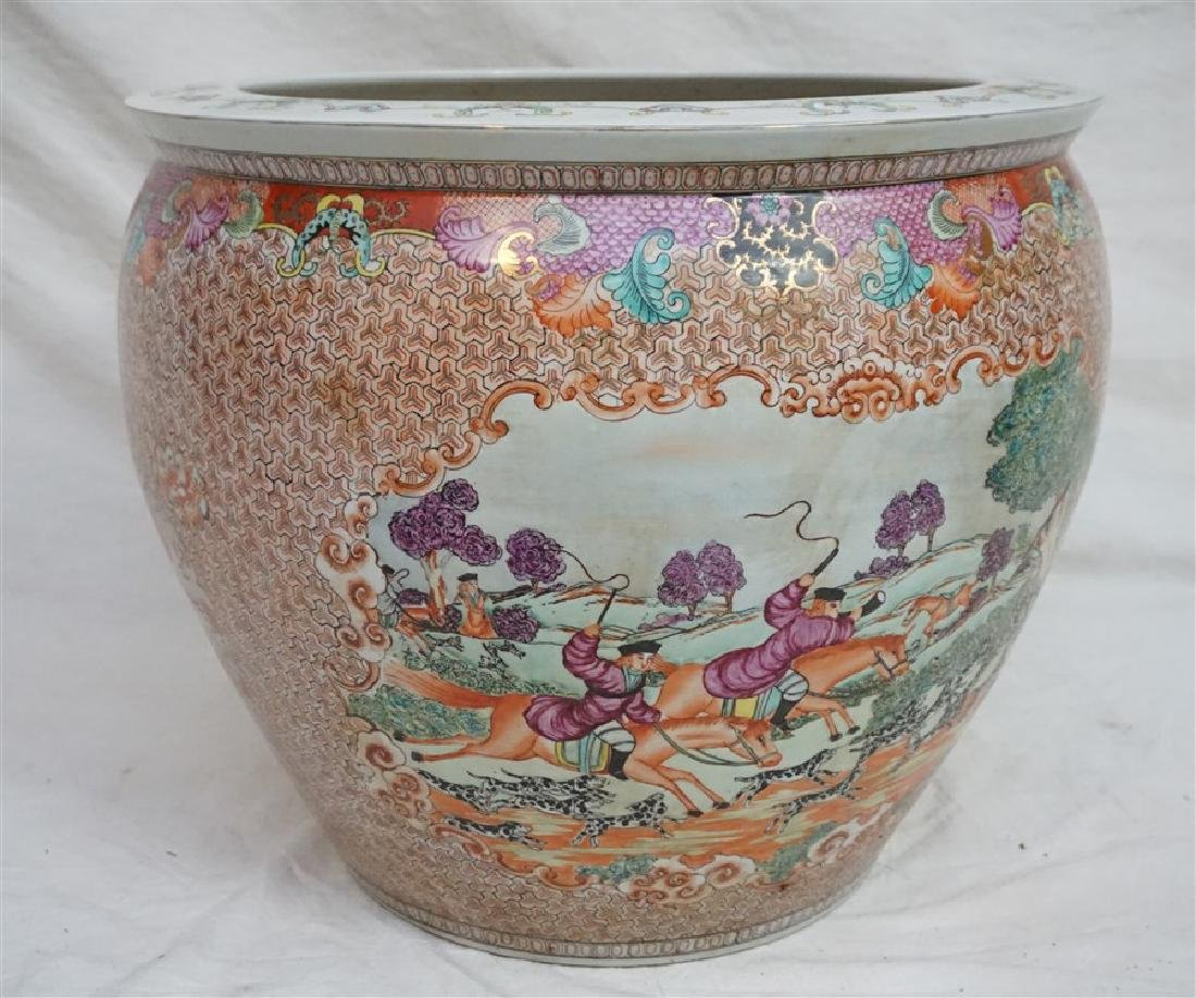LARGE CHINESE EXPORT HUNT FISH BOWLS - 6
