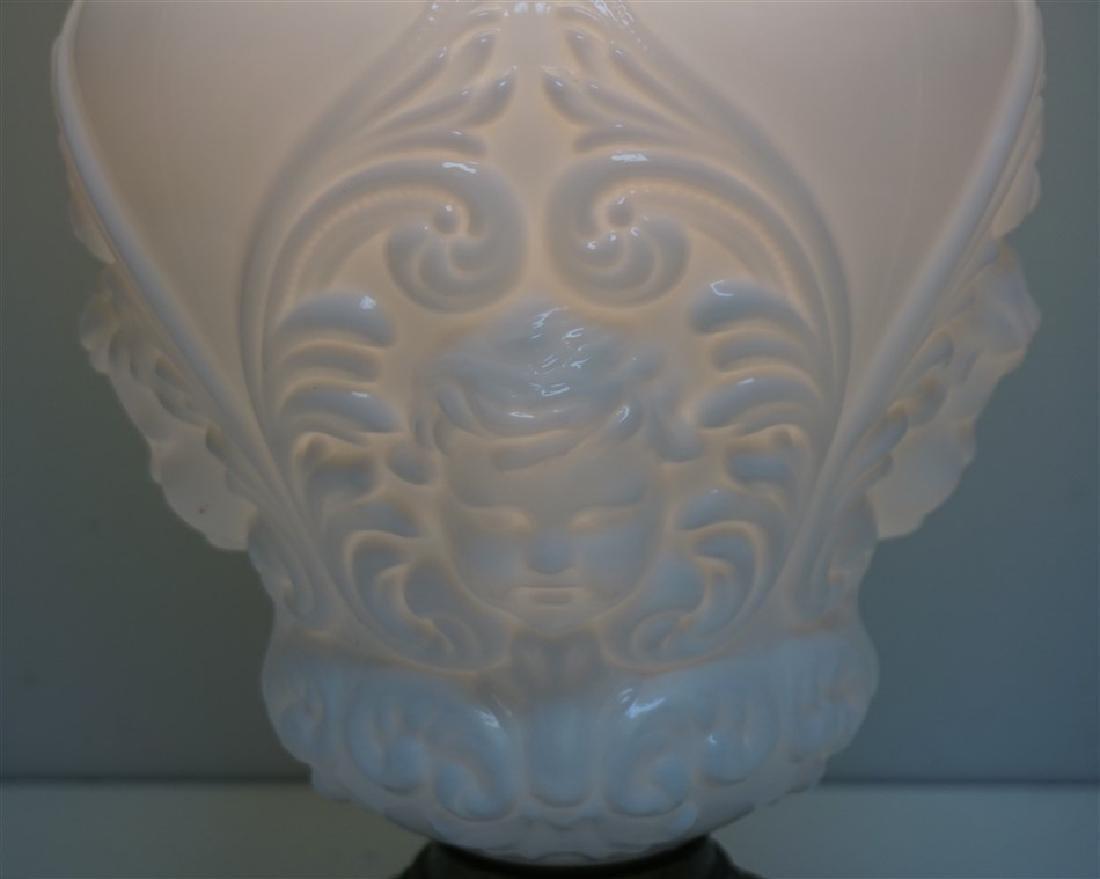 CHERUB FACE GLASS BANQUET LAMP - 4