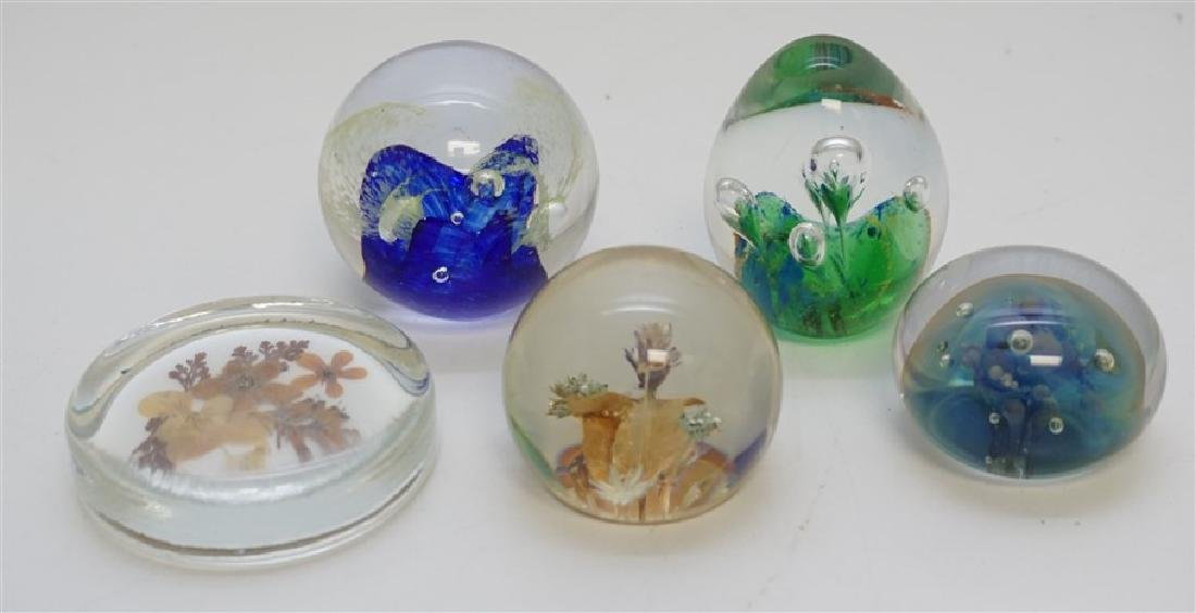 5 PAPERWEIGHTS SEEGERS & FEIN