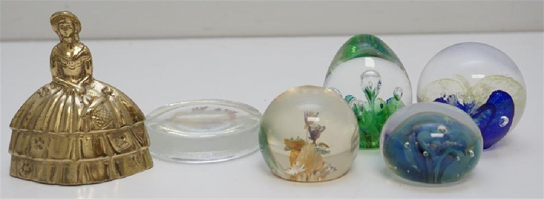 5 PAPERWEIGHTS SEEGERS & FEIN - 5