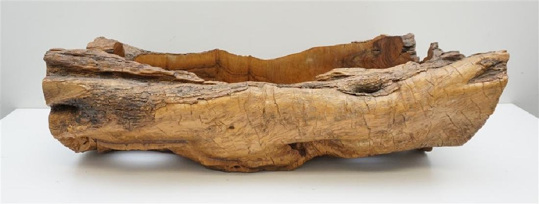 NATURAL OLIVE WOOD CENTERPIECE