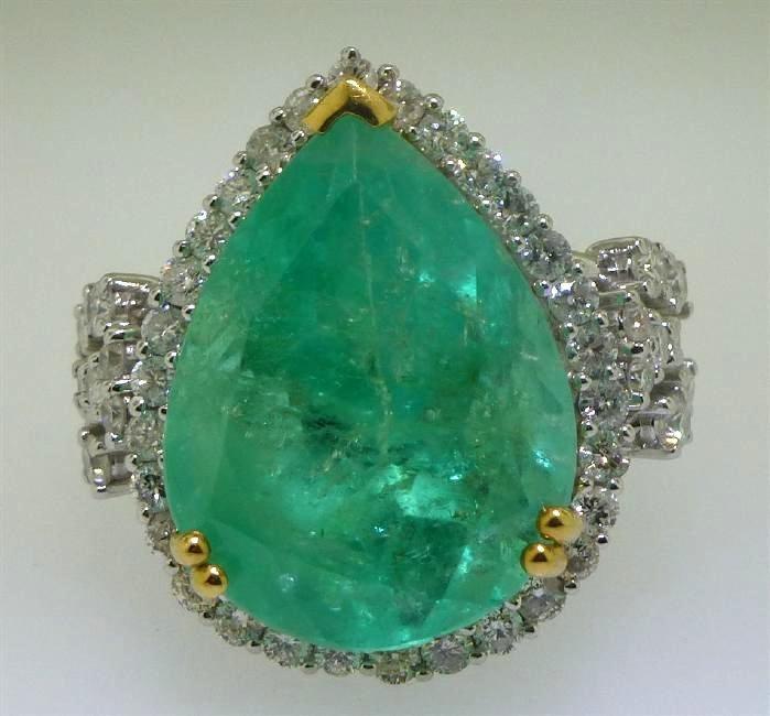 20CT EMERALD & DIAMOND RING