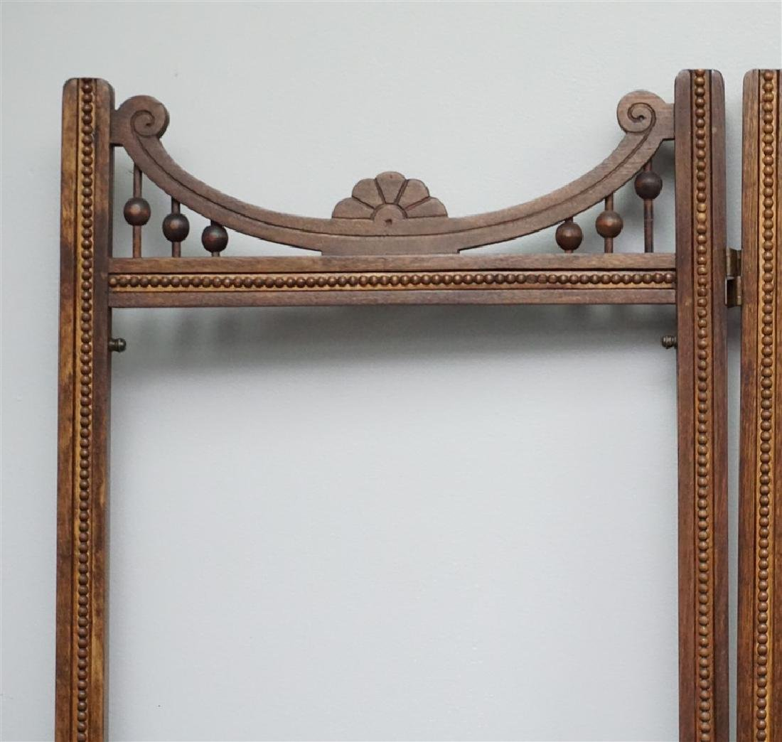 VICTORIAN OAK STICK AND BALL ROOM DIVIDER SCREEN - 3