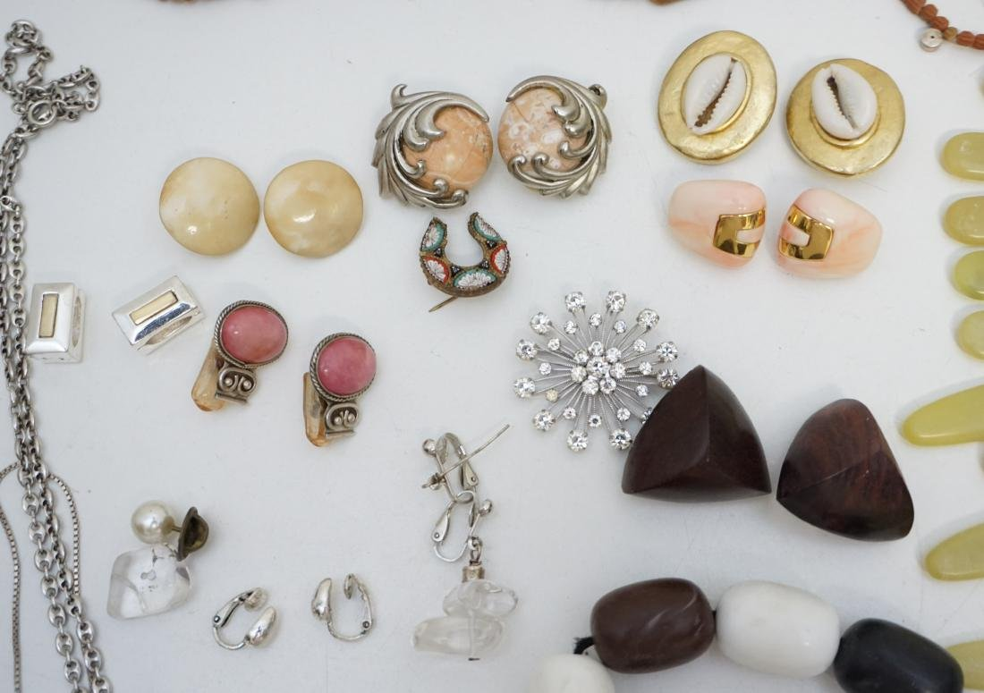 20 Pc. ESTATE COSTUME JEWELRY - 4