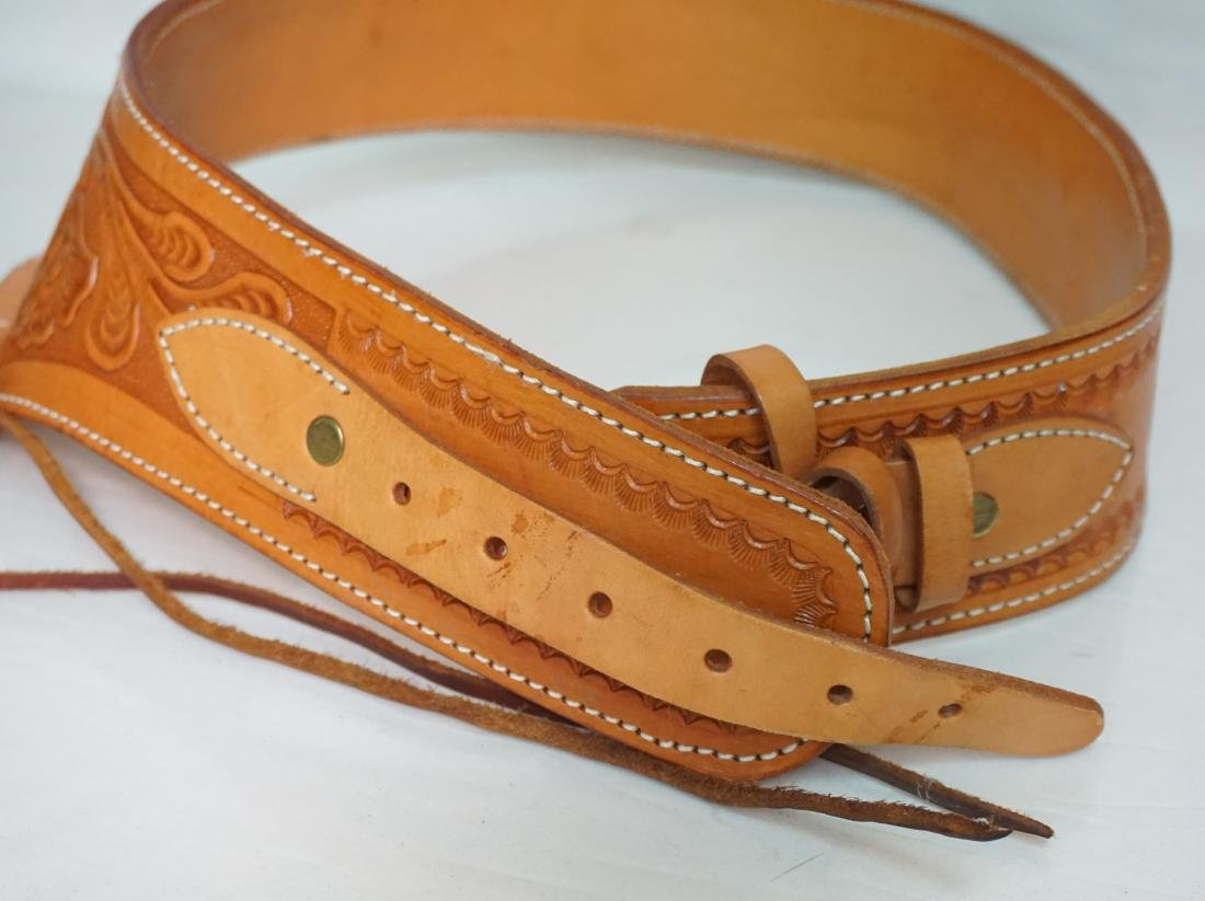 2 LEATHER GUN HOLSTERS - 3